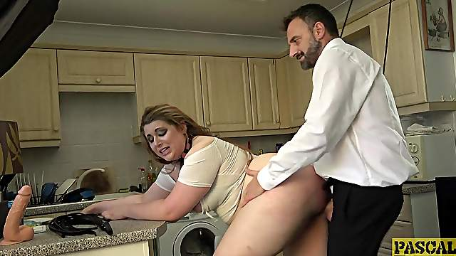 Curvy ass slut plays obedient for her very horny master