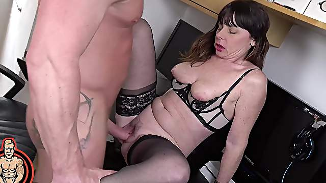 Horny broad Sara takes a cumshot to the mouth after sex with young boy
