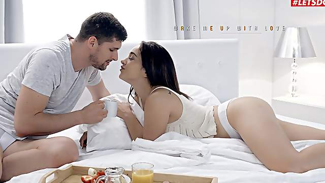 Sweetie throats it in the morning and fucks before breakfast in bed