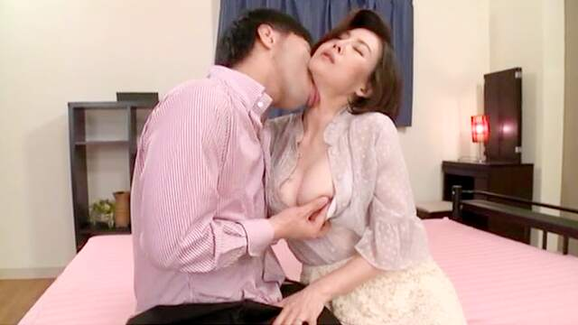 Japanese MILF tries younger inches in her soaked cunt