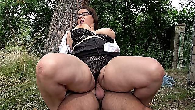 Big lady gets boned good outdoors while a big thong clings to her body
