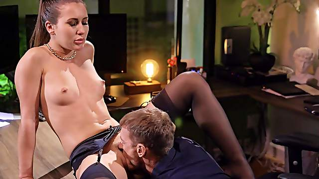 Pussy licking always puts Paige Owens in the right frame of mind