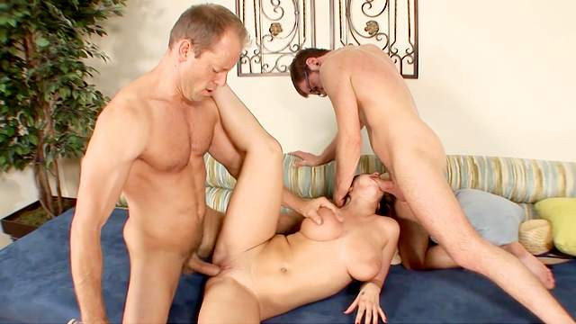 Two man ramming a busy wife and making her happy